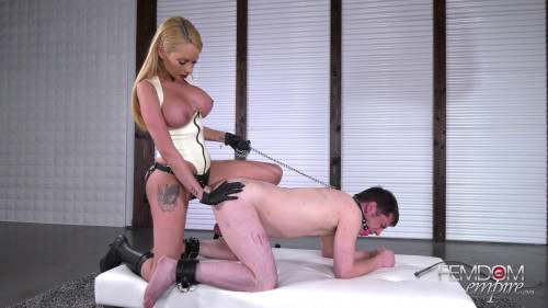 Femdom and Strapon I fuck him and he moans like a pig