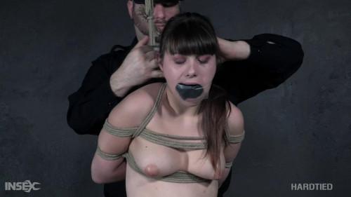 BDSM Luna gets the sharp edge of desire!
