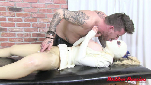 BDSM Latex Rubber Masseuse