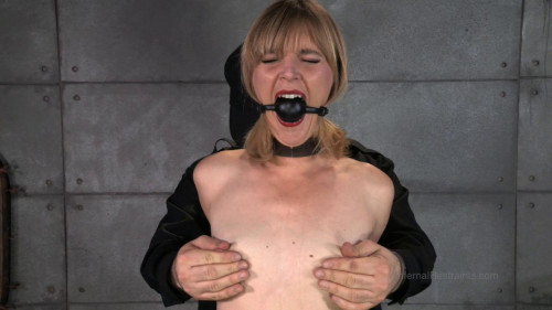 BDSM Mona Wales  Mona Wails