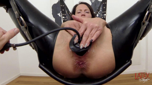 Fisting and Dildo Inflatable Plug In Pussy - HD 720p