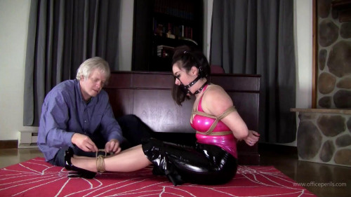 BDSM Latex Jasmin Jai : Pink and Black Latex Hogtie