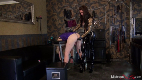 Femdom and Strapon The Anal Plug for Slut Candy on the Fuckbench