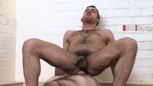 Gay BDSM Session 201 - Get Your Nose Rammed Up My Sweaty Arsehole!