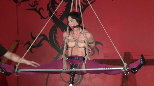BDSM Wenona Pantyhose Custom Leg Spreader Bar Suspension