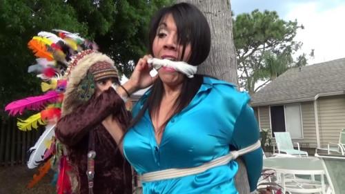 BDSM Squaw Sahrye In Full Headdress