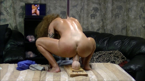 Fisting and Dildo I get my fuck on and ride a monster hard