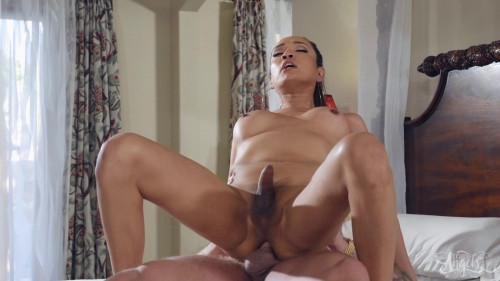 Fit TS Jessica Fox Fucked Hard By Colby Jansen
