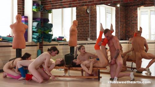 5 Girls 1 aerobics instructor