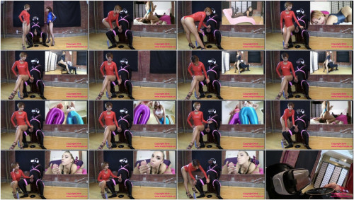 Femdom and Strapon Slave Ruined Multiple Times while in Virtual Reality at the Edging SalonAlexa