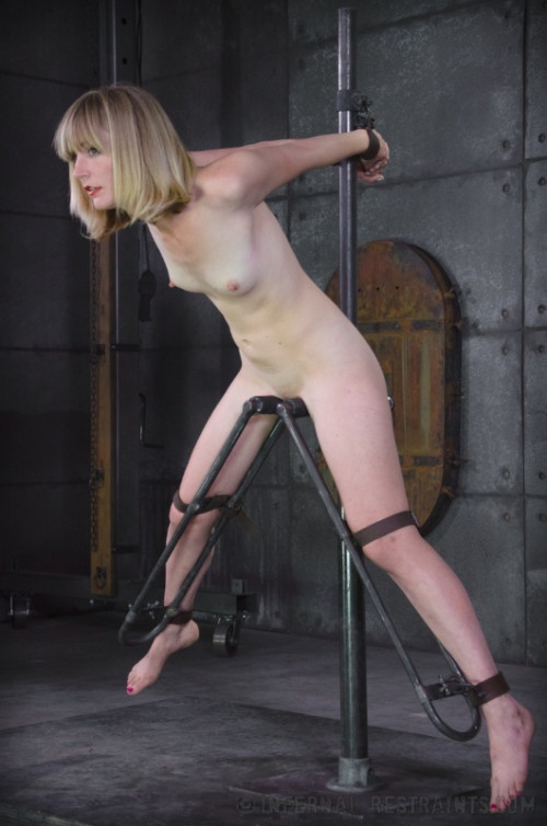 bdsm IR - May 9, 2014 - Mona Wails - Mona Wales - HD