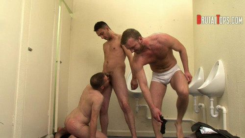 Gay BDSM Session 302 : Master Dale and Master Jurgis