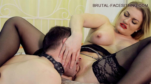 Femdom and Strapon Facesitting Mistress Luisa (2016)