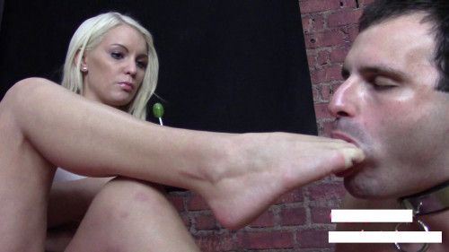 Femdom and Strapon Cuck Licks Princesses Shoes And Feet Before Boyfriends Arrival