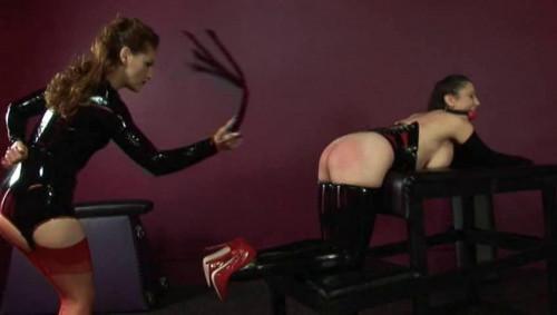BDSM Latex Jewells Session With Mistress Gemini