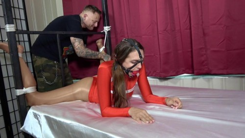 BDSM ShinyB - Sadie Holmes.. The Shoulder Stretch