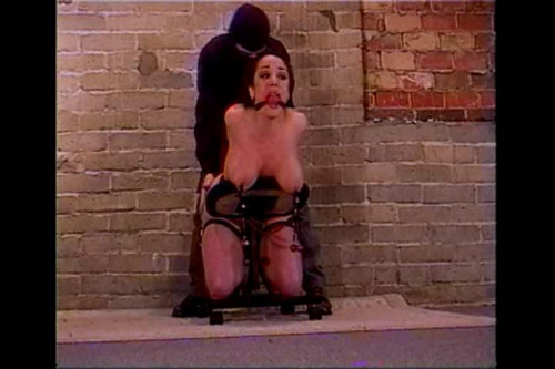 BDSM Jewell Learns To Like It