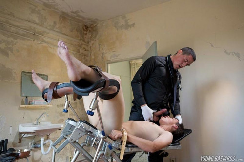 Gay BDSM YB - A Doctor With a Fingering Touch - Greg Centuri & Cristian Martin