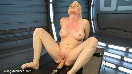 Sex Machines Sexy Blonde Babe Gets Machine Fucked for the First Time