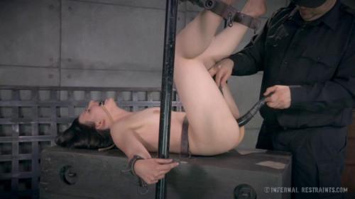 BDSM Amy Faye Fayed to Black