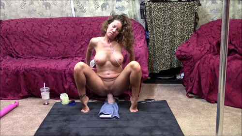 Fisting and Dildo Love being on top and orgasm