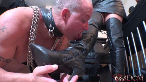 Femdom and Strapon Michelle Pleasure Slave 1 Oral Slave