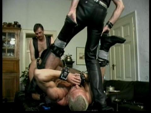 Gay BDSM Extrem Aufgepumpt and Abgewichst