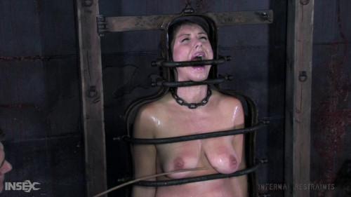 BDSM IR  Sister Dee - Iron Maiden