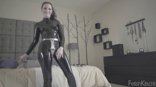 bdsm Caroline Pierce Caroline in Chastity 720p (2016)