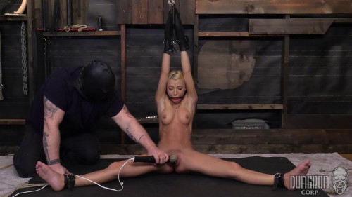 BDSM Kenzie Tied