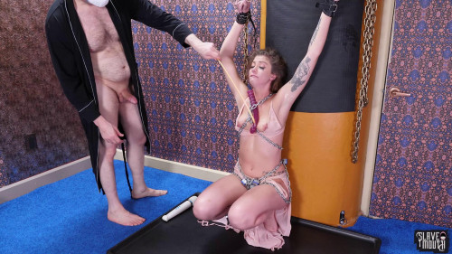 BDSM Leah in Chains