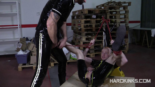 Gay BDSM Bad Pup (Kieron Knight, Michael Selvaggio)