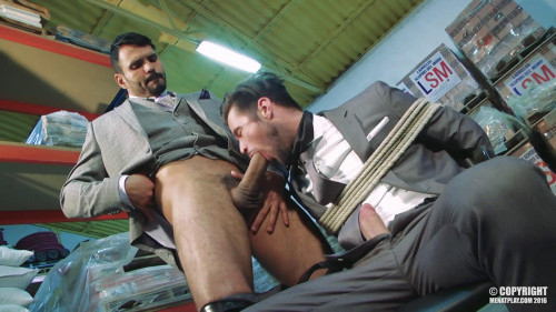 Gay BDSM MenAtPlay - Mantrap