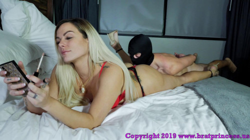 Femdom and Strapon Perfect Goddess Gets Ass Worshipped Before Date