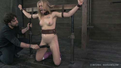 BDSM Tracey Sweet Enjoys Extreme Bondage