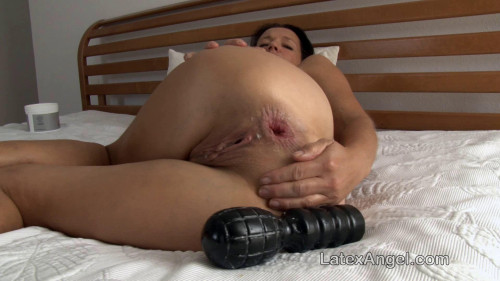 Fisting and Dildo Angelina in the scene Anal Self Fisting