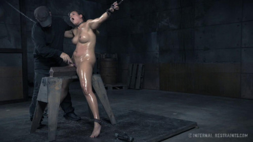BDSM Hurt So Good