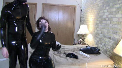 BDSM Latex Has done her best and given