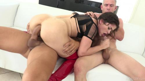 Victoria Voxxx Enjoys Extreme Double Fuck