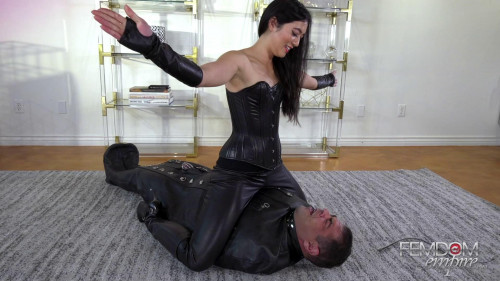 Femdom and Strapon Mae Ling - No Oxygen Allowed