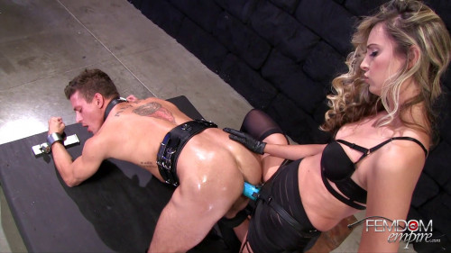 Femdom and Strapon Allie Eve Knox - Impaled By Cock