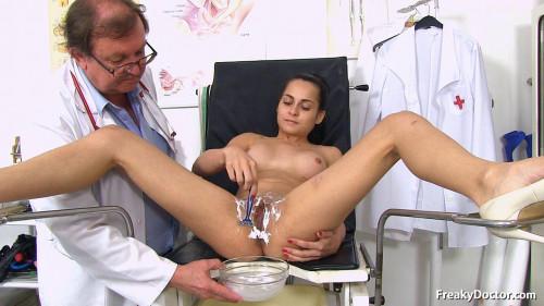 Sex Machines Ashley Woods (19 years girls gyno exam)