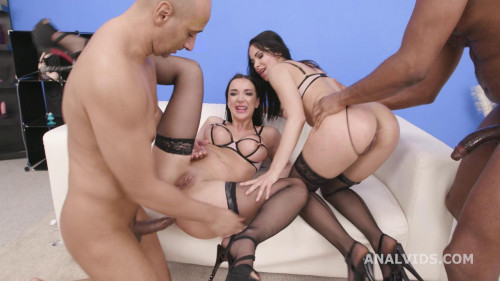 Pee Between Girls, Jessy Jey and Lady Gang 2on2 with DAP, Gapes, Pee Drink