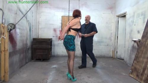 BDSM Hunterslair - Sarah Brooks - Sexy secretary helpless in handcuffs