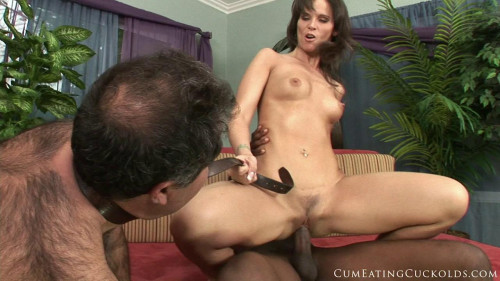 Femdom and Strapon Syren De Mer - Does Some Husband Training