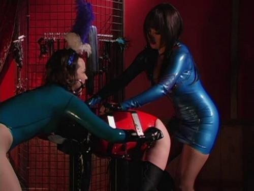 BDSM Latex Pleasure Slaves