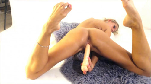 Fisting and Dildo Oily milf fre anal fucking herself with dildo