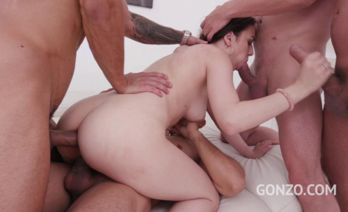 4on1 Piss gangbang session with DP & swallow