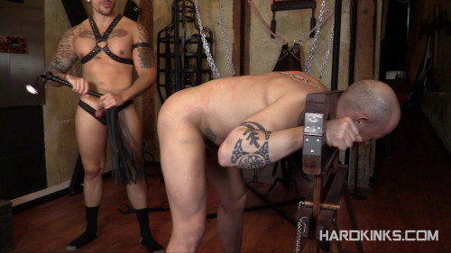 Gay BDSM Jordano Santoro and Max Duran - Master Punisher