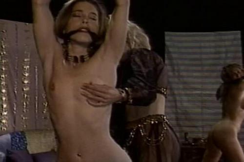 BDSM Isadora Rose & Caressa Savage